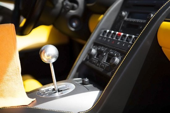 6 Speed Manual Transmission In The Lamborghini Gallardo Picture Of