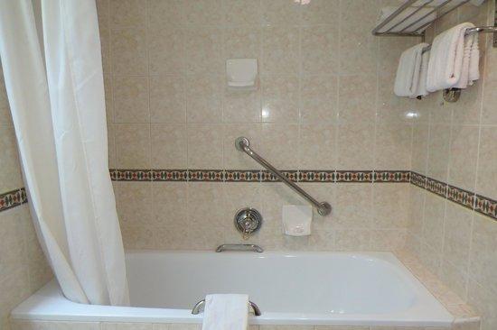 Monomotapa Hotel- Legacy : Bathroom
