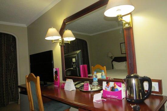 Monomotapa Hotel- Legacy : Room