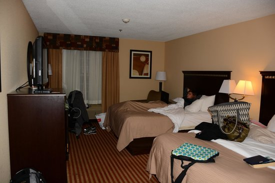 Comfort Inn Splash Harbor : First floor rooms have windows that are locked for security