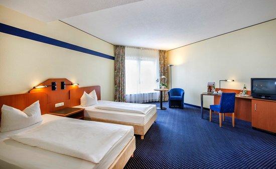 Vienna House Easy Coburg: Twin room / Zweibettzimmer