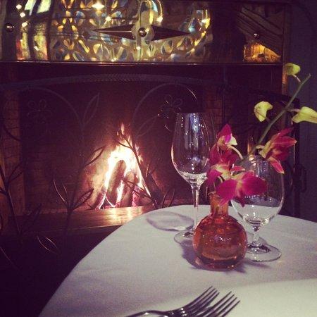 C.D.L. Restaurant: Литературное место, супер персонал!