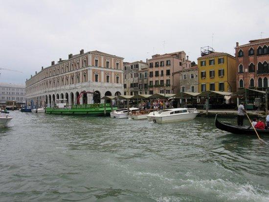 Best Holidays Venice B&B : Rialto Market & Vaporetta stop