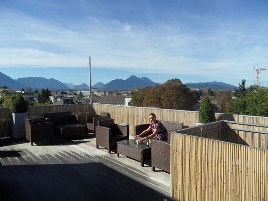 Wyndham Grand Salzburg Conference Centre: Außenterrasse Clublounge
