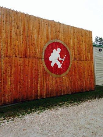 Long Trail Brewing Company: Long a Trail Pub