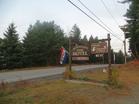Mountain View Motel: Motel sign