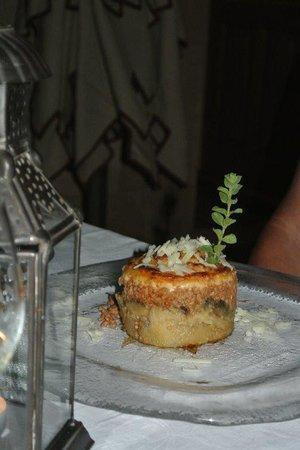 Melenos Lindos Restaurant: Moussaka
