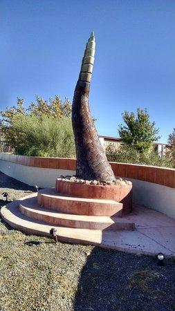 Chiricahua Desert Museum: World's largest rattlesnake rattler sculpture