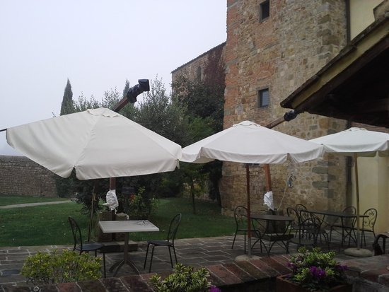 Country Hotel Borgo Sant'Ippolito: il giardino
