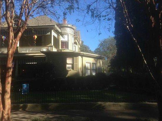 Devereaux Shields House : Devreaux Shields House