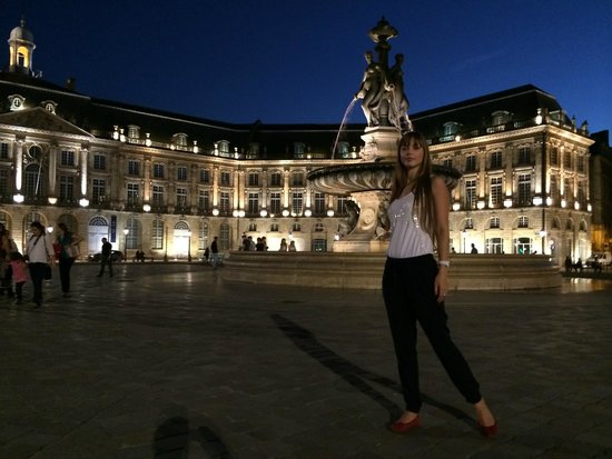 Mercure Bordeaux Gare Saint Jean: Place de la bourse