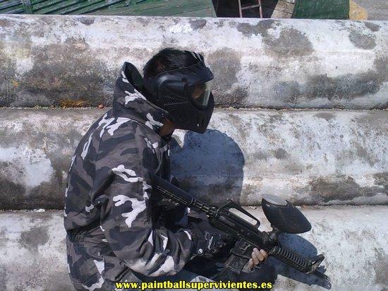Gergal, สเปน: Paintball Réplica Francotirador M4