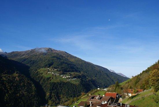 Hotel Fliesserhof: Panoramablick vom Balkon