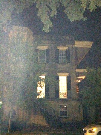 Haunted Savannah Tours: 342 Abercorn House