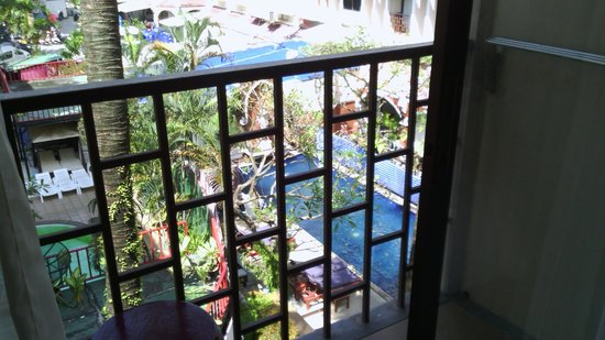 Patong Resort: outside the room