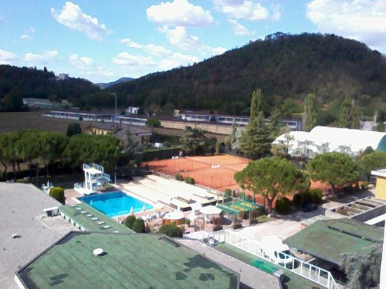 Apollo Hotel Terme: Campi da Tennis