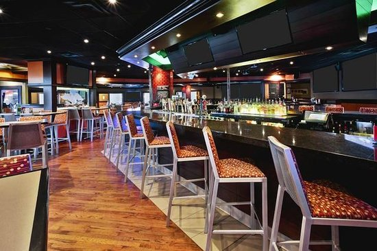 Bennigan's: Bar