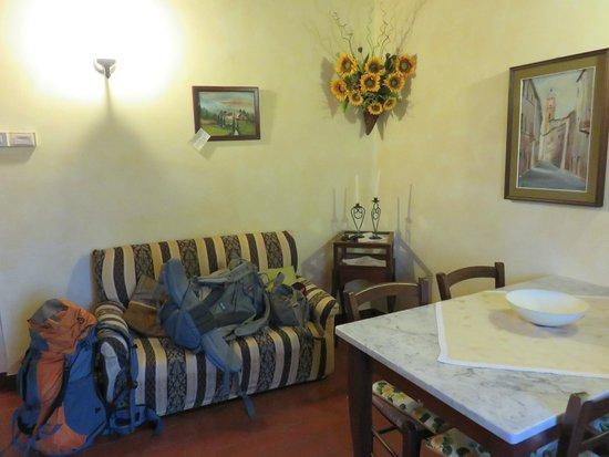 Agriturismo La Fonte: La Caciaiola Living Room / Kitchen