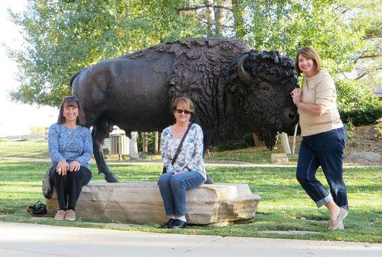 Leanin' Tree Museum of Western Art: bronze buffalo