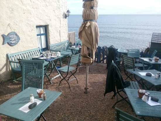Crail Harbour Gallery: Outside seating area
