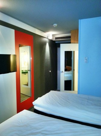 Hotel ibis Wien Mariahilf: Room interior