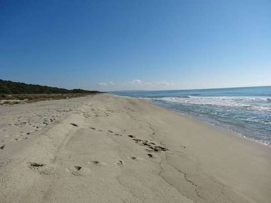 La Casa di Botro: private beach eastwards