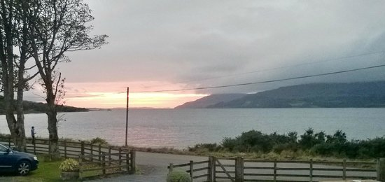 Pennyghael Hotel Restaurant: Sunset over Loch Scridain