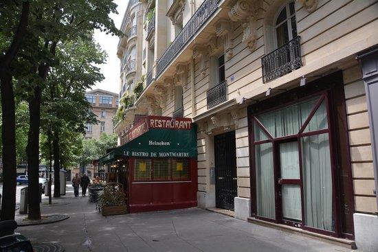 Le bistro de montmartre picture of le bistro de for Le miroir restaurant montmartre
