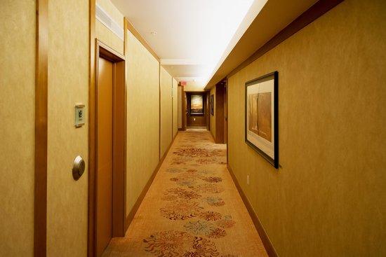 The Ritz-Carlton, Toronto: Korridor