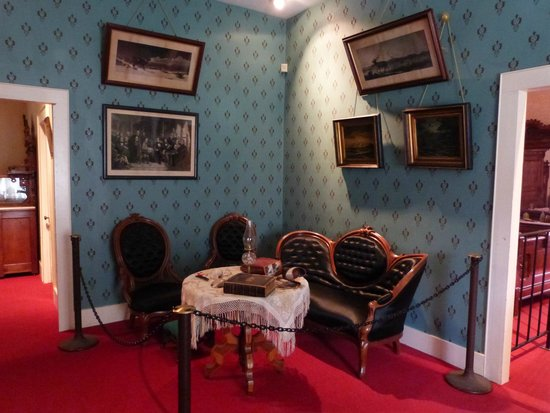 Sharlot Hall Museum : Entrance hall
