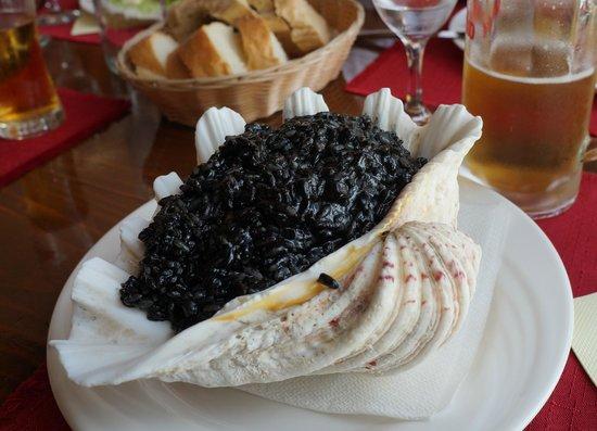 Konoba Lanterna: Cuttlefish risotto