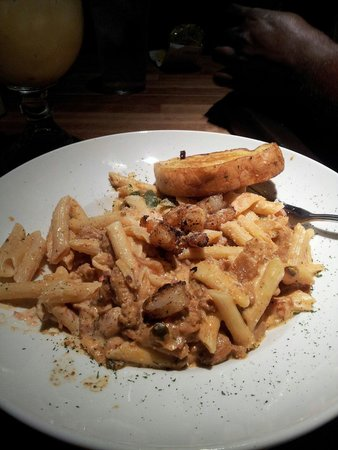 Cheddar's : New Orleans's pasta....Yum Yum