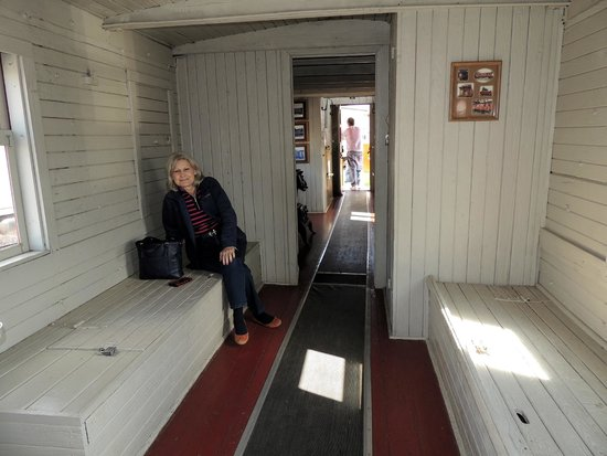 Cookeville Depot Museum : caboose