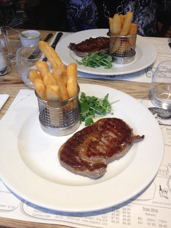 The Union Steakhouse: Steak and chips