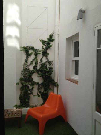 Cheap&Chic Hotel: Terraza