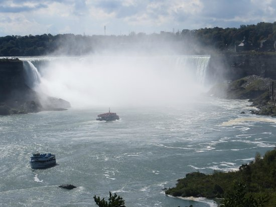 how to get to niagara falls ontario from nyc