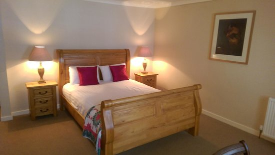 Brambles Boutique Rooms: Kingsized sleigh bed - Room 3