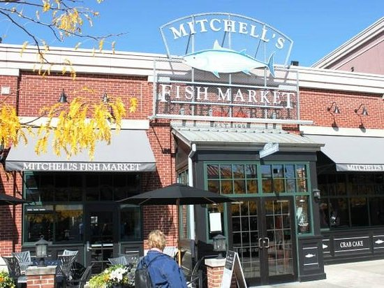 Entrance picture of mitchell 39 s fish market newport for Mitchell s fish market nutrition