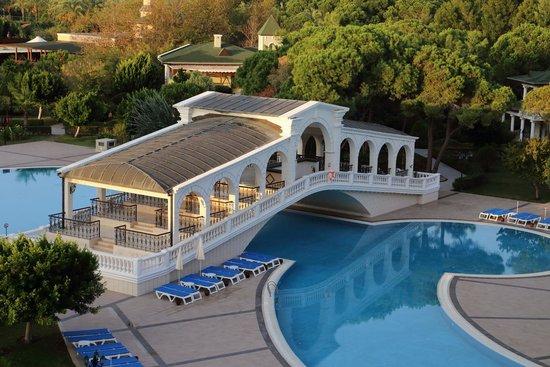 Venezia Palace Deluxe Resort Hotel: Rialto - Brücke
