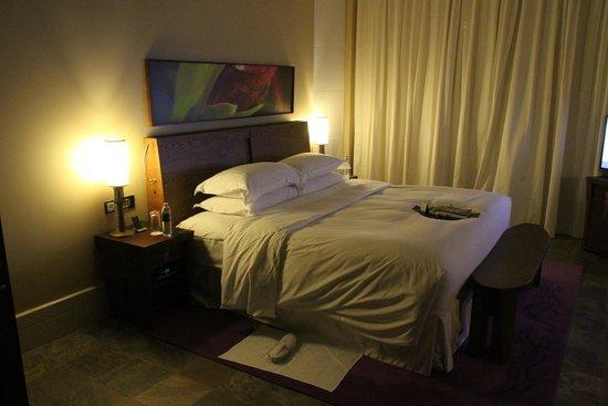 Beach suite picture of sofitel dubai the palm resort for Best spa hotel dubai