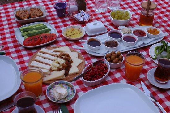 Assos Nar Konak: Desayuno al sol