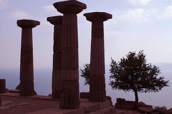 Assos Nar Konak: Templo de Atena