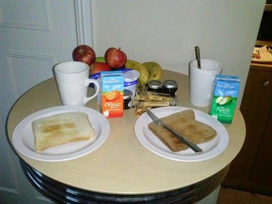 Studios@82 : Breakfast items