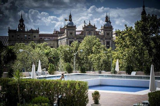 Swimming pool picture of melia sevilla seville - Swimming pool seville ...
