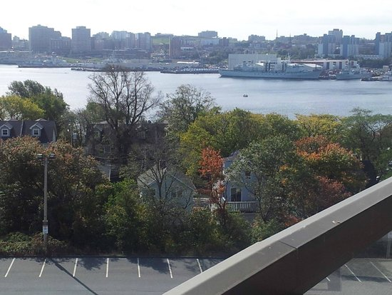 Doubletree by Hilton Halifax Dartmouth: view of Naval Shipyards and Halifax