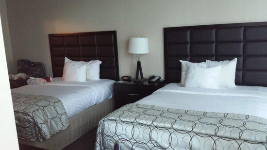 Twelve Centennial Park: Bedroom