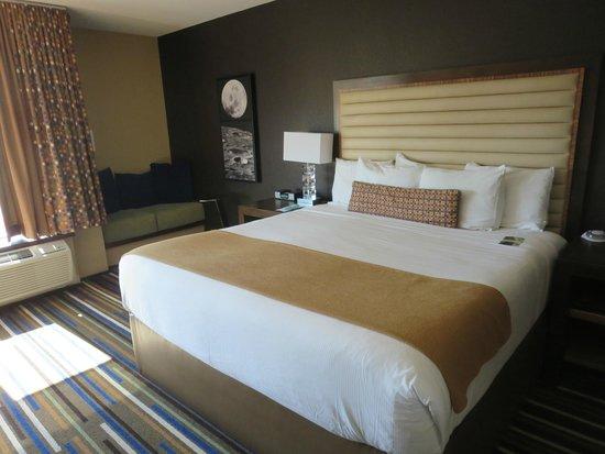 Moonrise Hotel: Large King room
