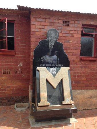 Felleng Day Tours: Nelson Mandela's house