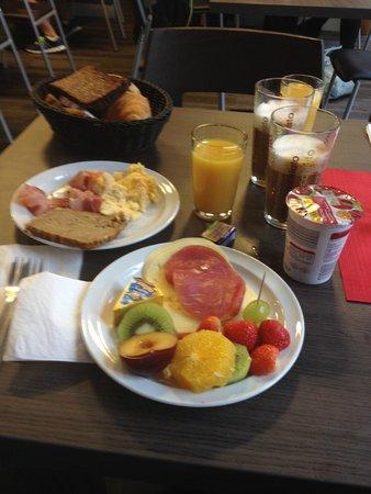 GS Hotel: Breakfast