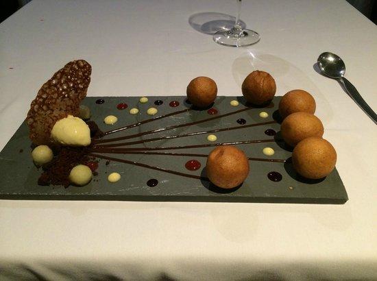 Quimera Restaurante : Chocolate Balls Dessert